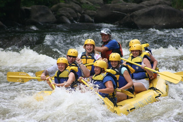 rafting-421132_640