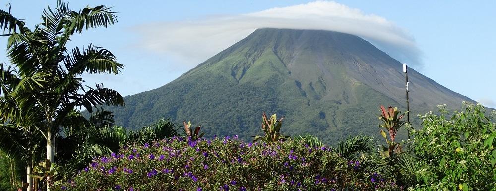 volcano-672304_1920