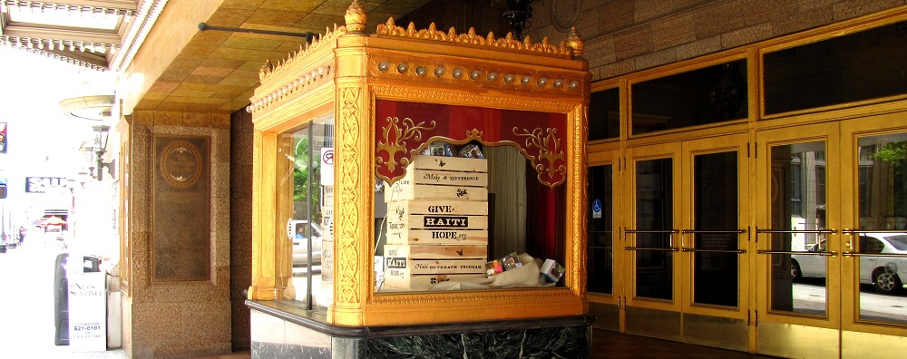 Tennessee-theatre-entrance-knoxville-tn1