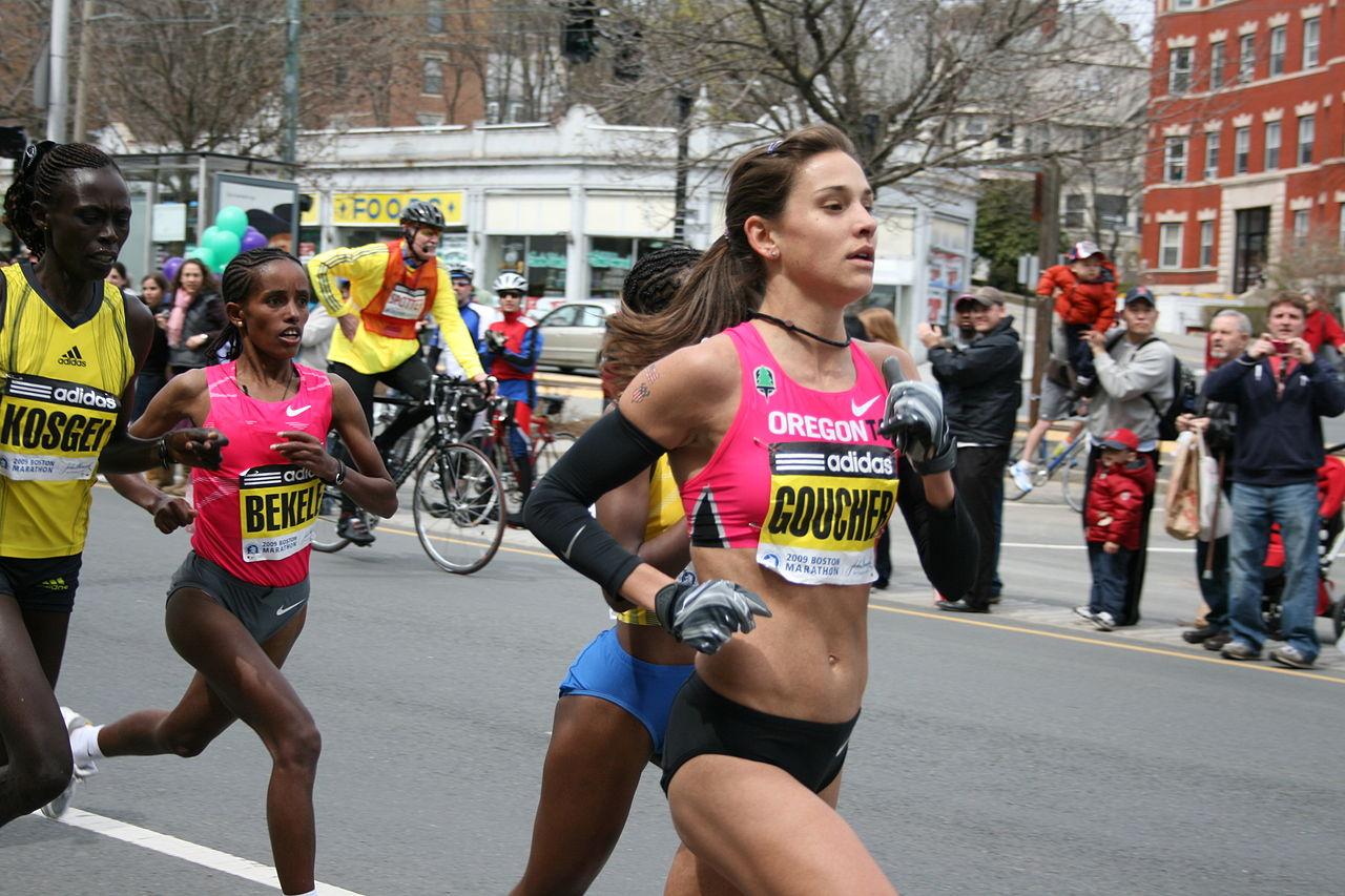 1280px-Boston_Marathon_2009_-_Leading_Women