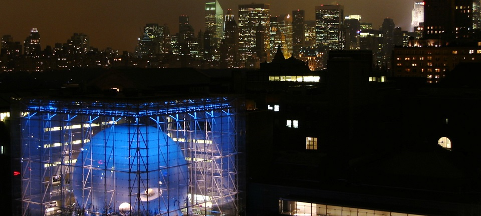 Hayden_planetarium_at_night