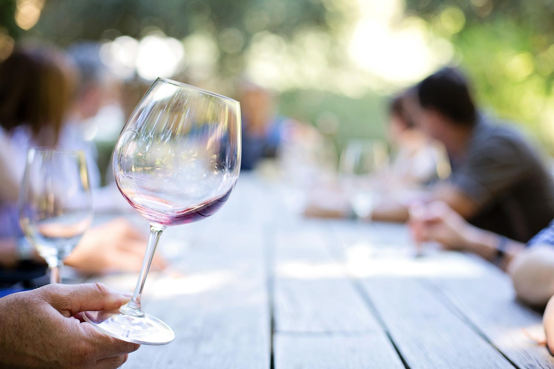 wineglass-553467_1920 (1)