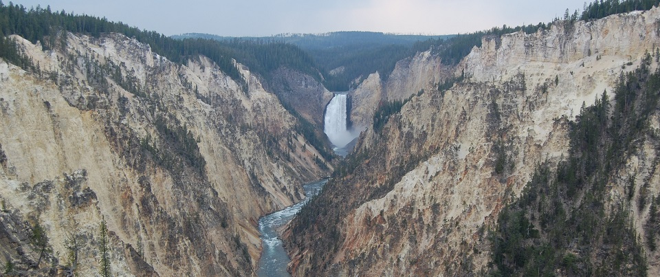 Grand_Canyon_of_the_Yellowstone_from_Artist_Point