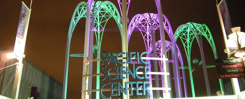 Pacific_Science_Center_at_night_04