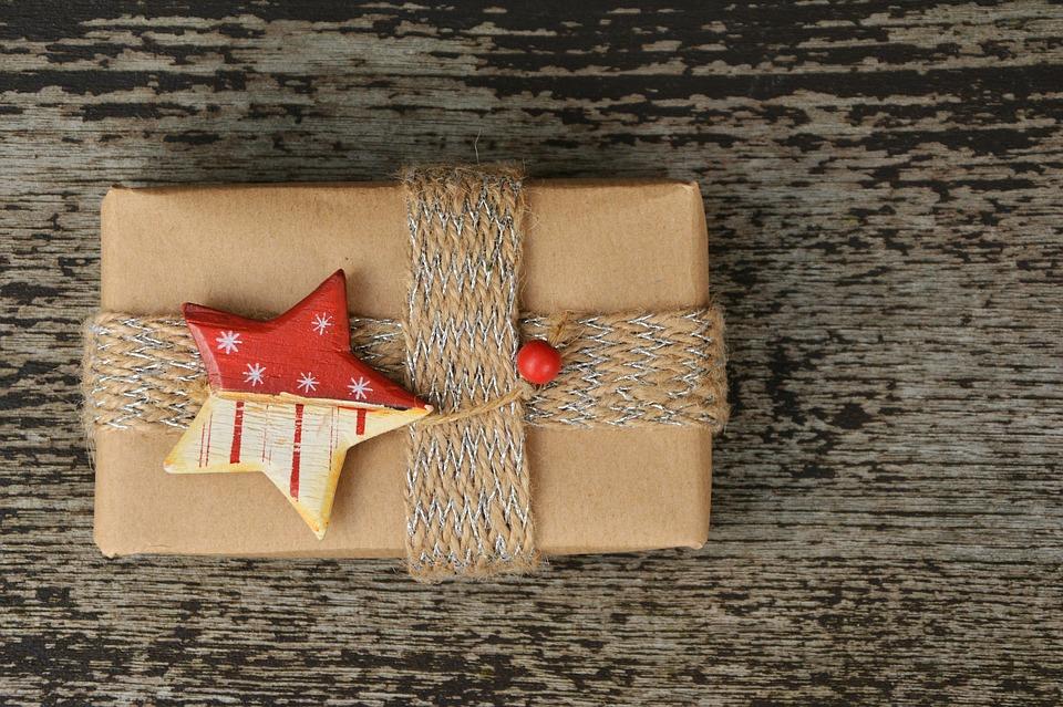 gift-1760899_960_720
