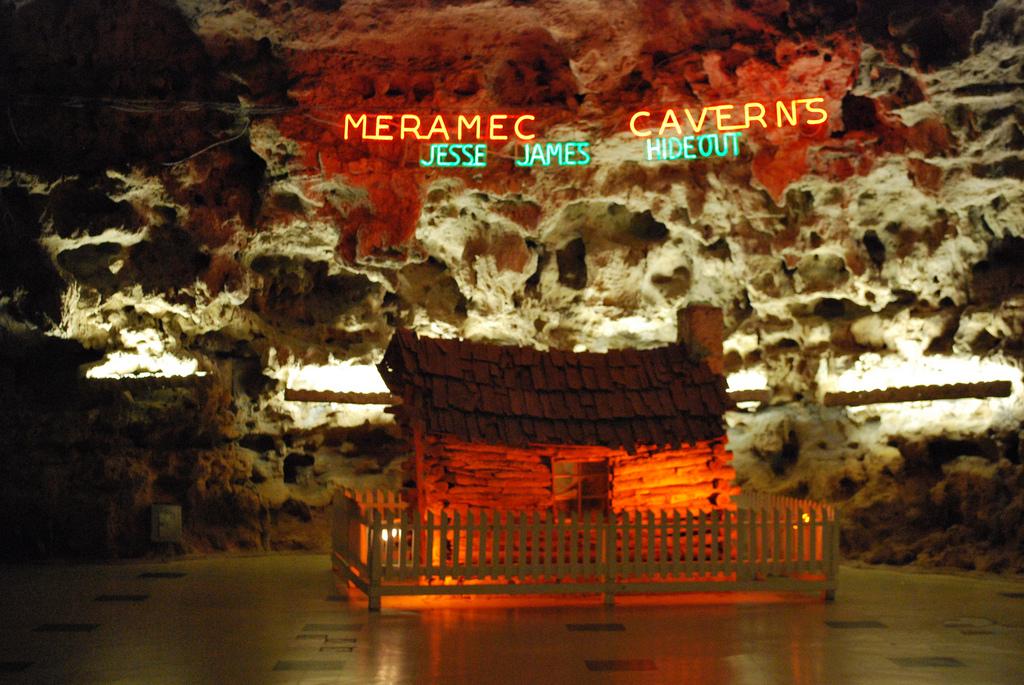 Meramec Caverns Missouri