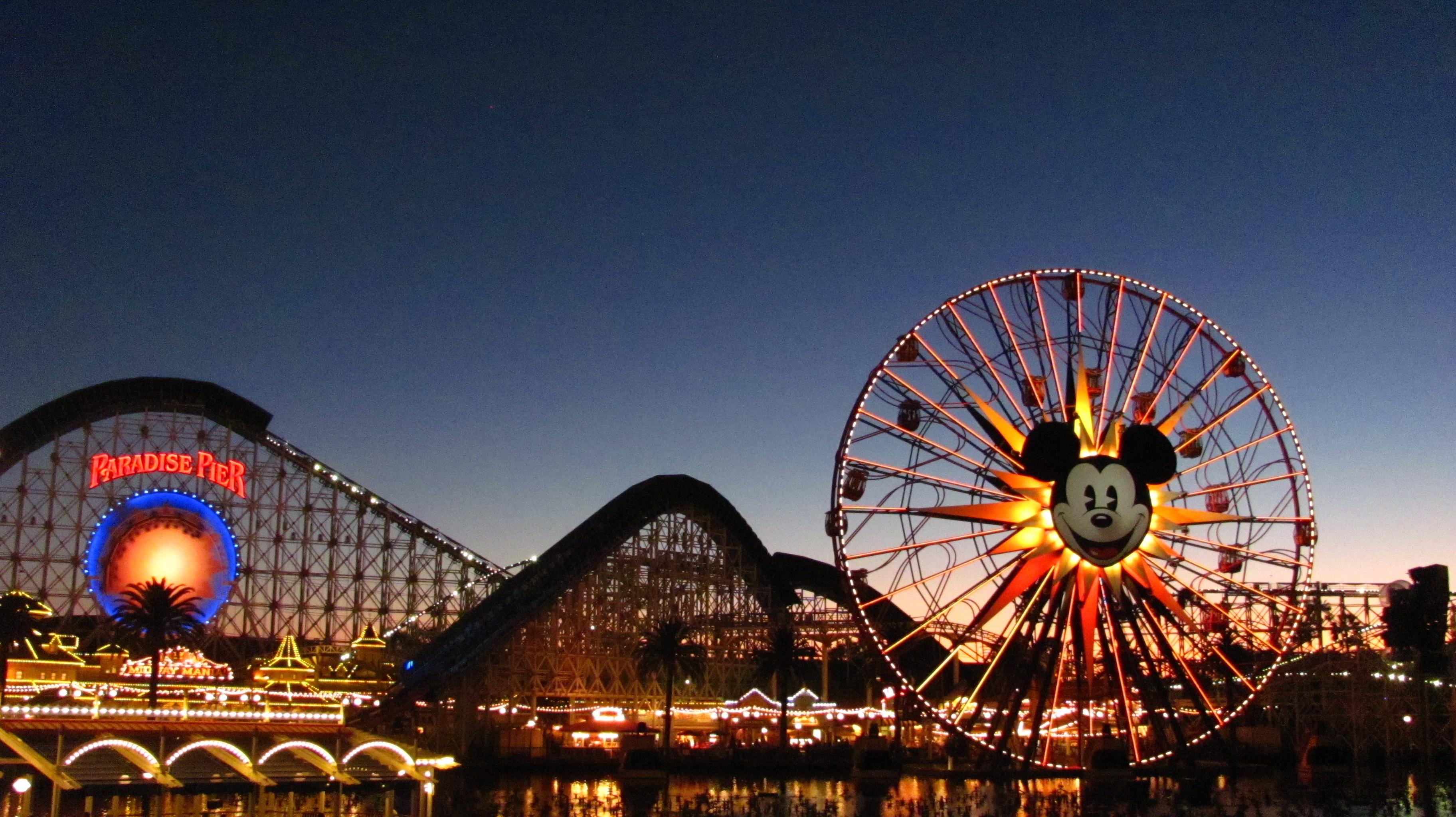 Disney_California_Adventure_(24262695714)