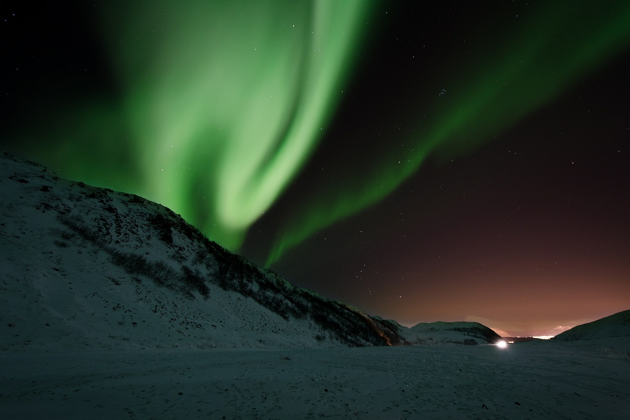 The Best Places to View the Northern Lights in North America