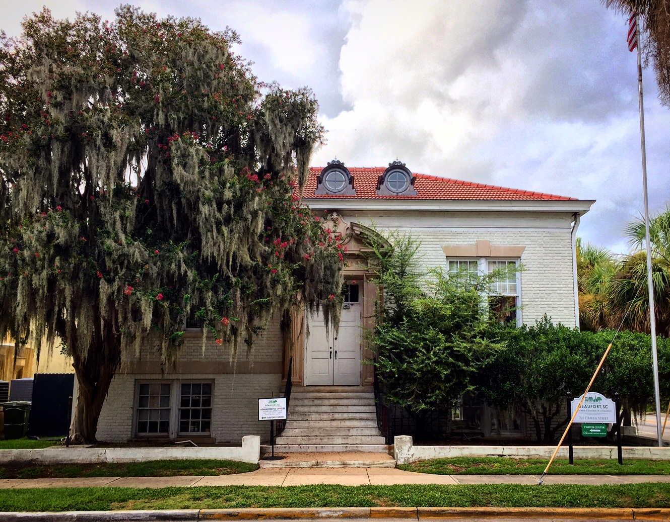 English: Old Beaufort (SC) Public Library Date 27 July 2017, 19:04:23 Source Own work Author 2cooljohn