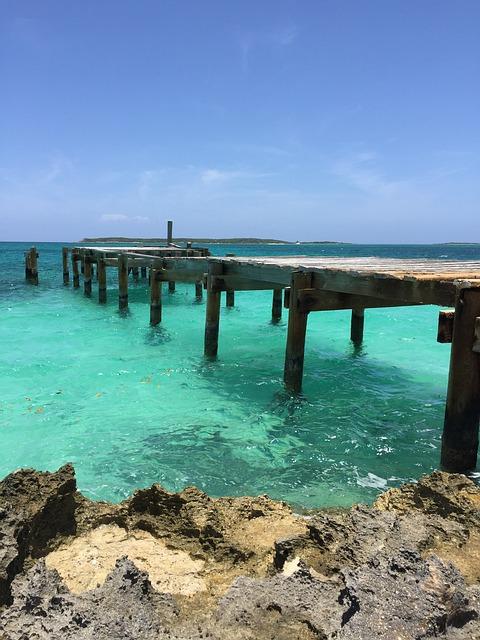 Bahamas Group Tours Pixabay Public Domain